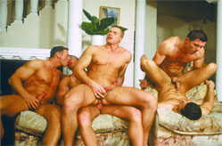 7 Guys in the livingroom, great orgy!